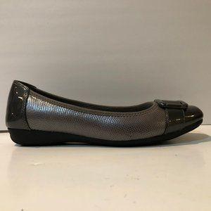 Never Worn Anne Klein Size 7.5 Flats
